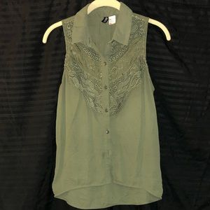 Lace detail on army green top!